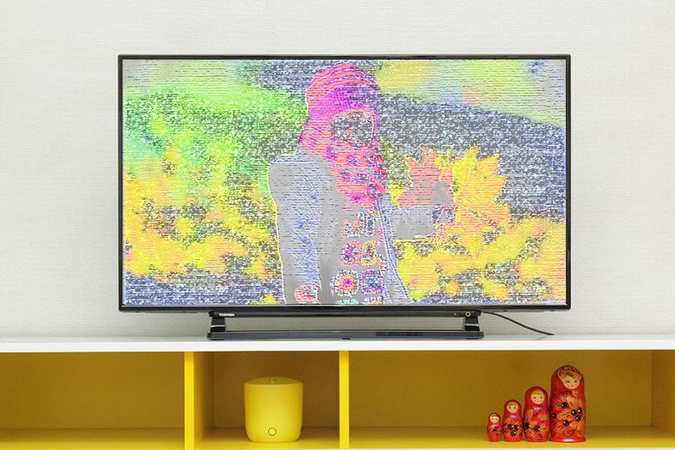 Tivi bị sọc màn hình- Tivi có vạch kẻ sọc dọc